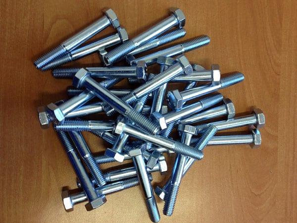 pezzi-ferro-zincatura-bianca-trattamento-anticorrosivo-metalli-modena